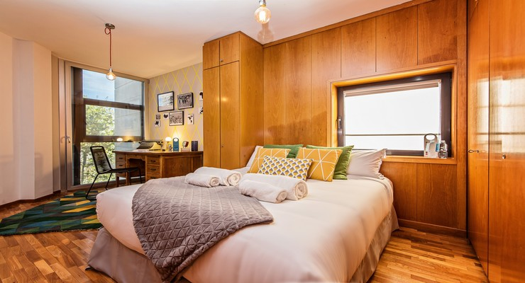 Exceptional bedroom with desk, chair and wardrobe