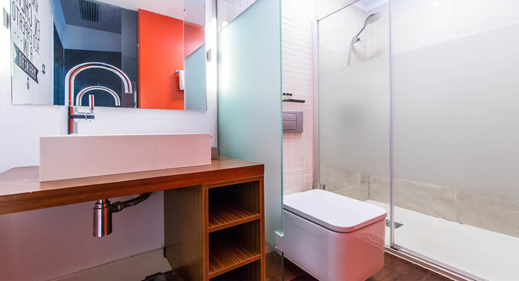Bathroom with comfortable shower